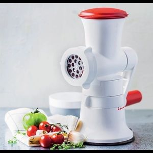 Tupperware Fusion Master Mincer with Base